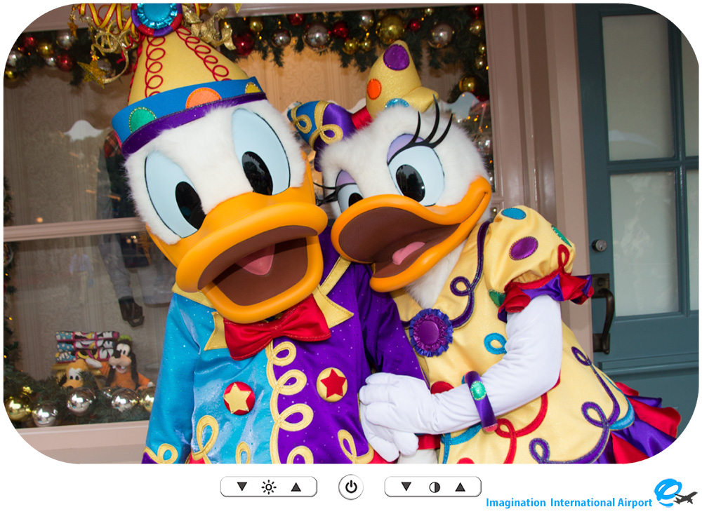 HKDL1512_CG_10th_DonaldDaisy01