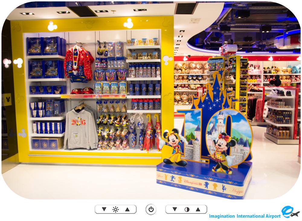 HKDL1512_Outside_HongKongAirportshop09